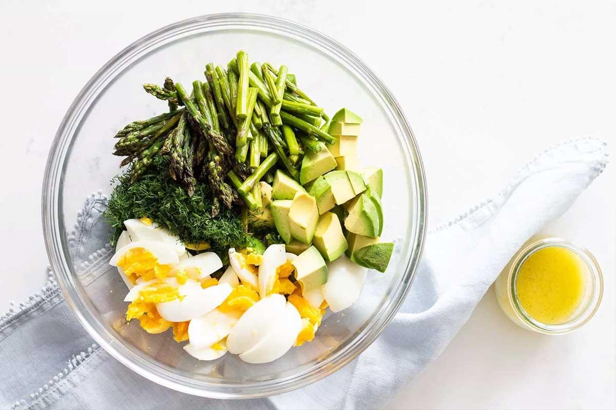 salata-avocado-oua
