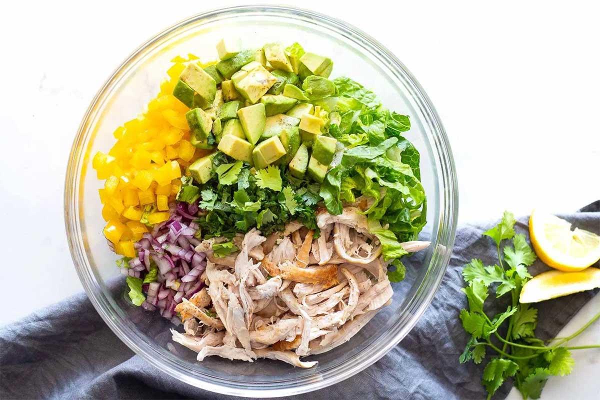 salata-pui-avocado